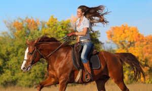 Верховая езда на лошади. Польза для женщин.