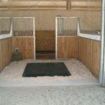 Конюшня для лошадей - проектирование, постройка своими руками