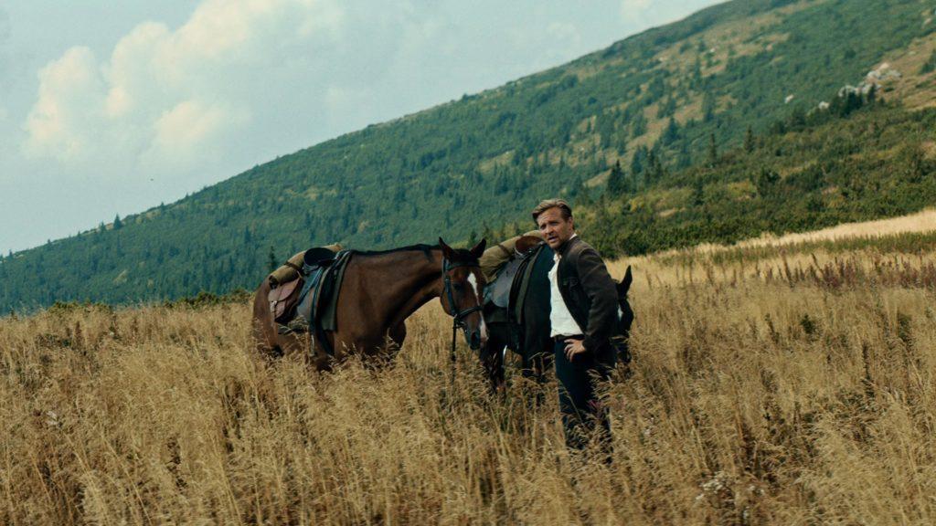 угоняя лошадей фильм википедия